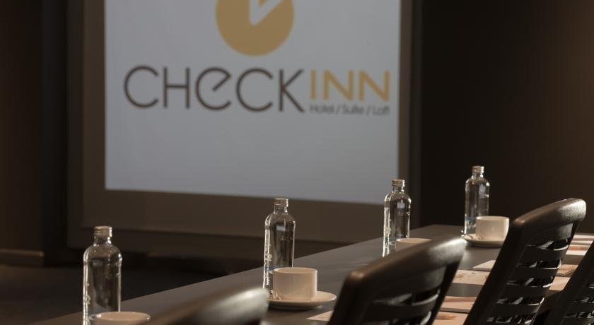 Check Inn Hotel