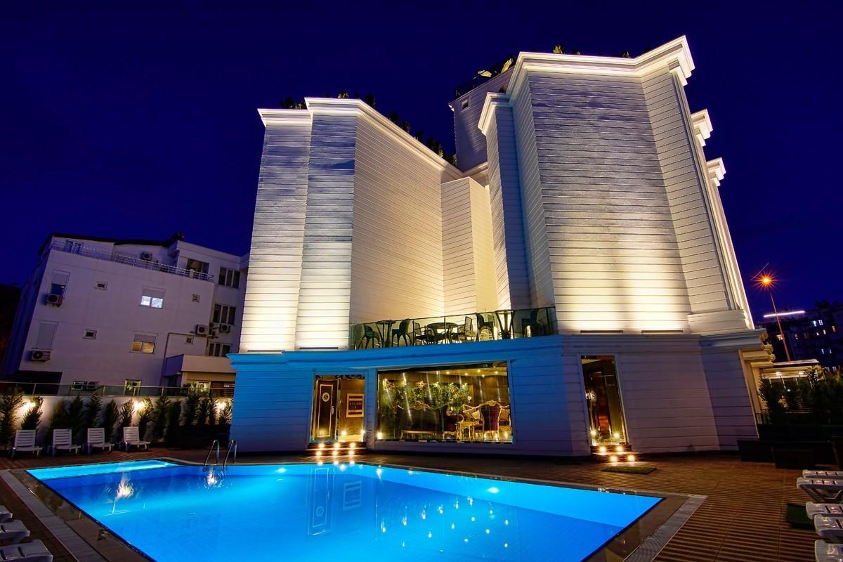 S. White Hotel